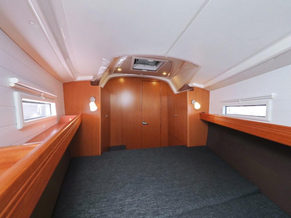 Boat rental Bavaria Bavaria Cruiser 37 in D-Marin Borik on Samboat