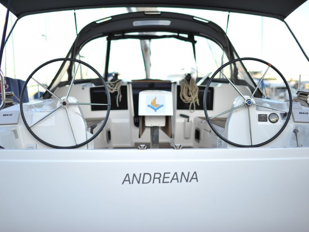 Rental Sailboat in Marina di Portisco - Dufour Dufour 382 Grand Large