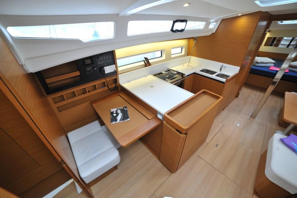 Rental Sailboat in Marina di Portisco - Jeanneau Sun Odyssey 440