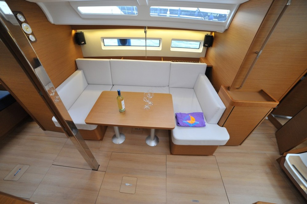 Boat rental Jeanneau Sun Odyssey 440 in Olbia on Samboat