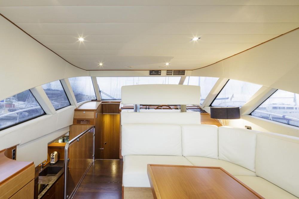 Rental yacht  -  Lobfish 57 on SamBoat