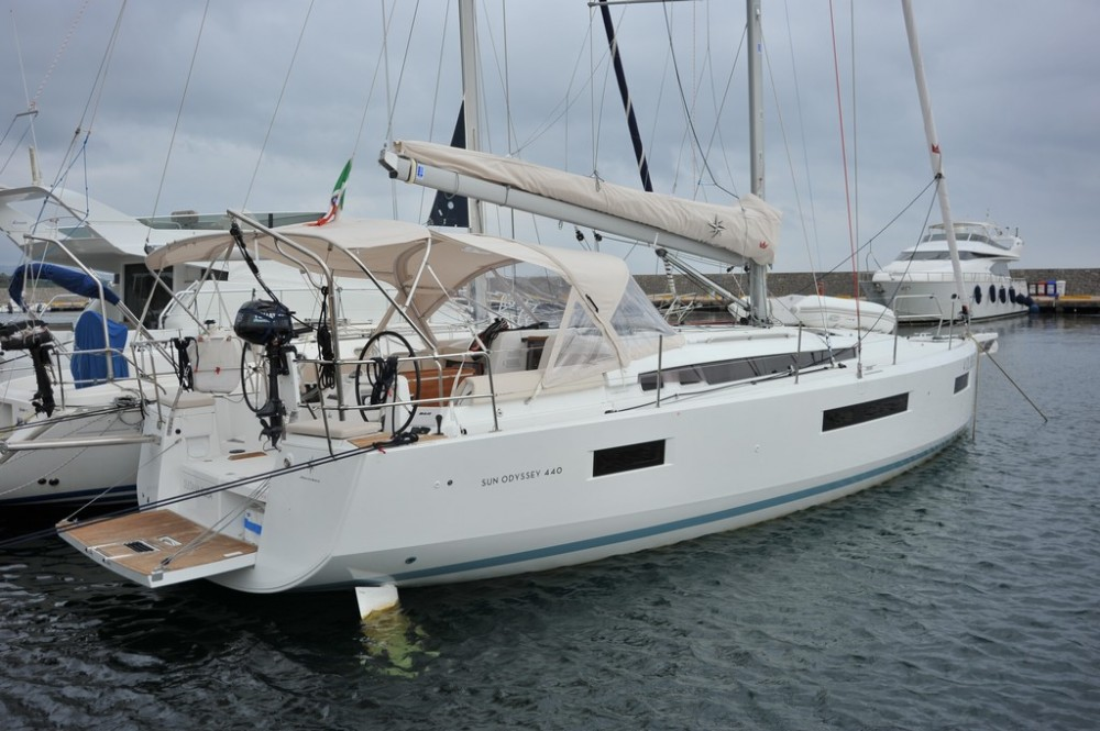 Hire Sailboat with or without skipper Jeanneau Marina di Portisco