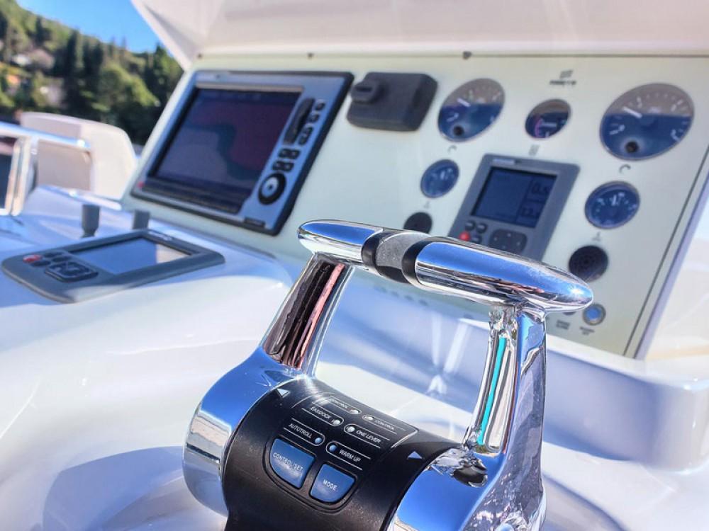Rental yacht Marina Kaštela - Ferreti Ferretti 620 on SamBoat