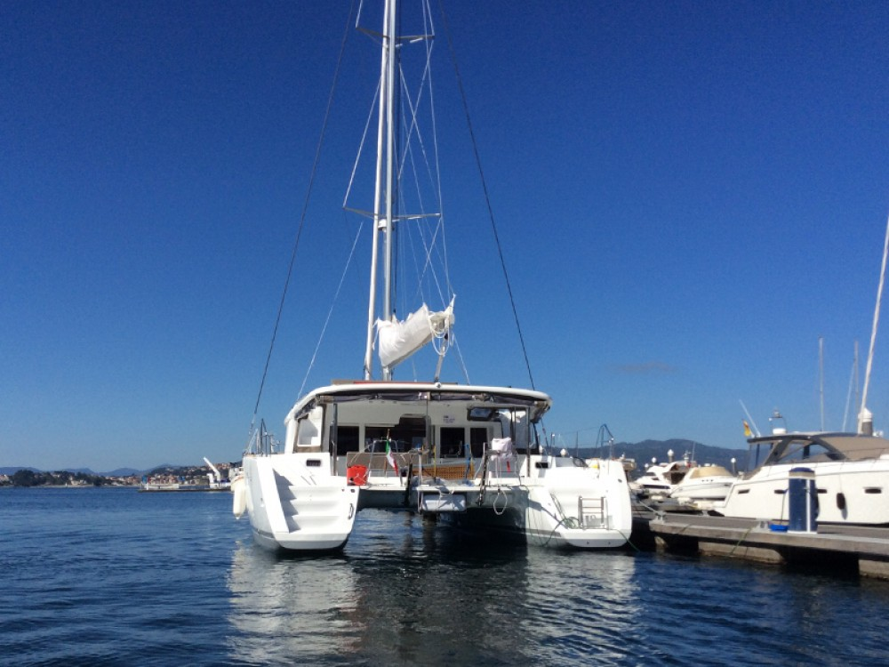 Boat rental Lagoon Lagoon 450 in Torre del Greco on Samboat