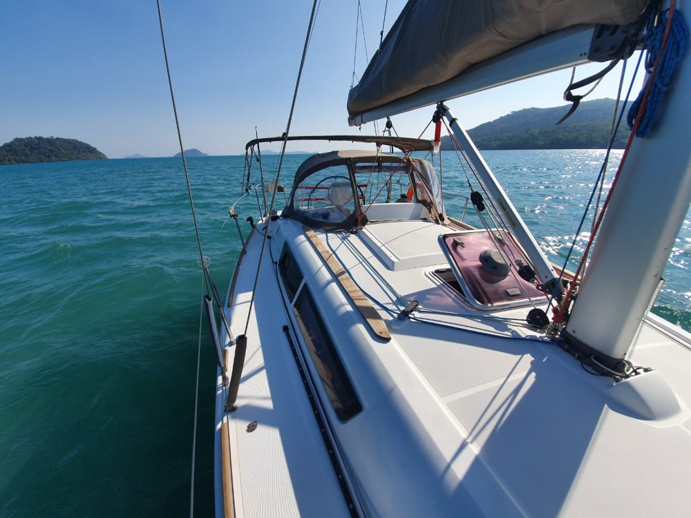 Hire Sailboat with or without skipper Jeanneau Pattaya