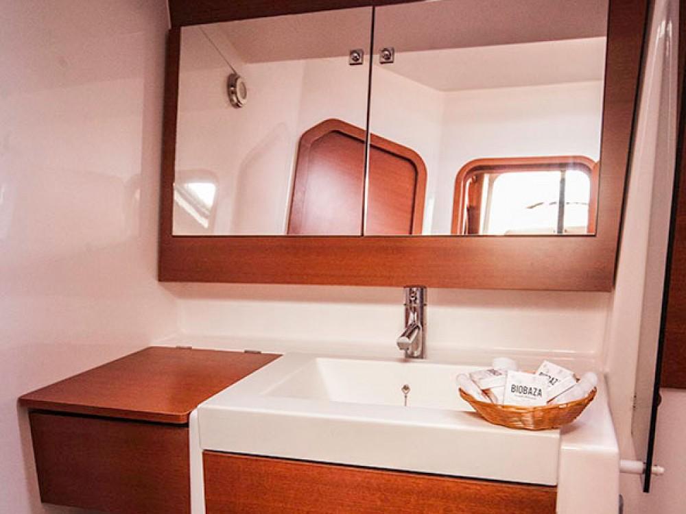 Boat rental Dufour Dufour 560 Grand Large in Primošten on Samboat