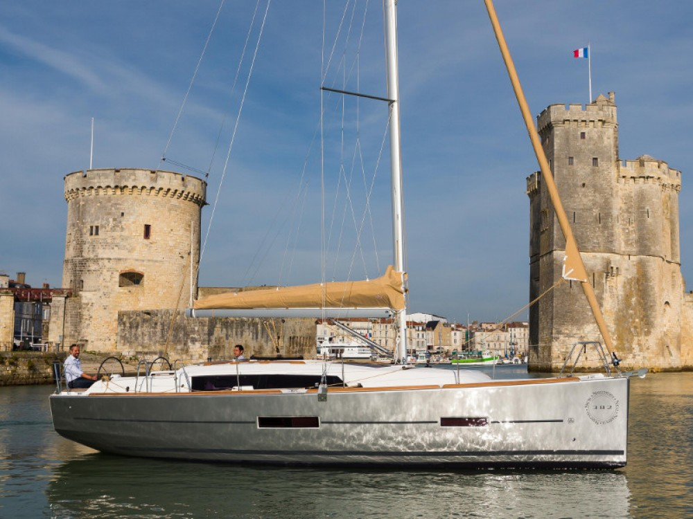 Rental Sailboat in Primošten - Dufour Dufour 382 GL