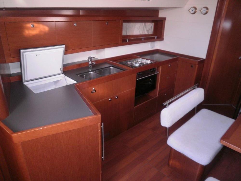 Boat rental Bénéteau Oceanis 45 in Kaštel Gomilica on Samboat