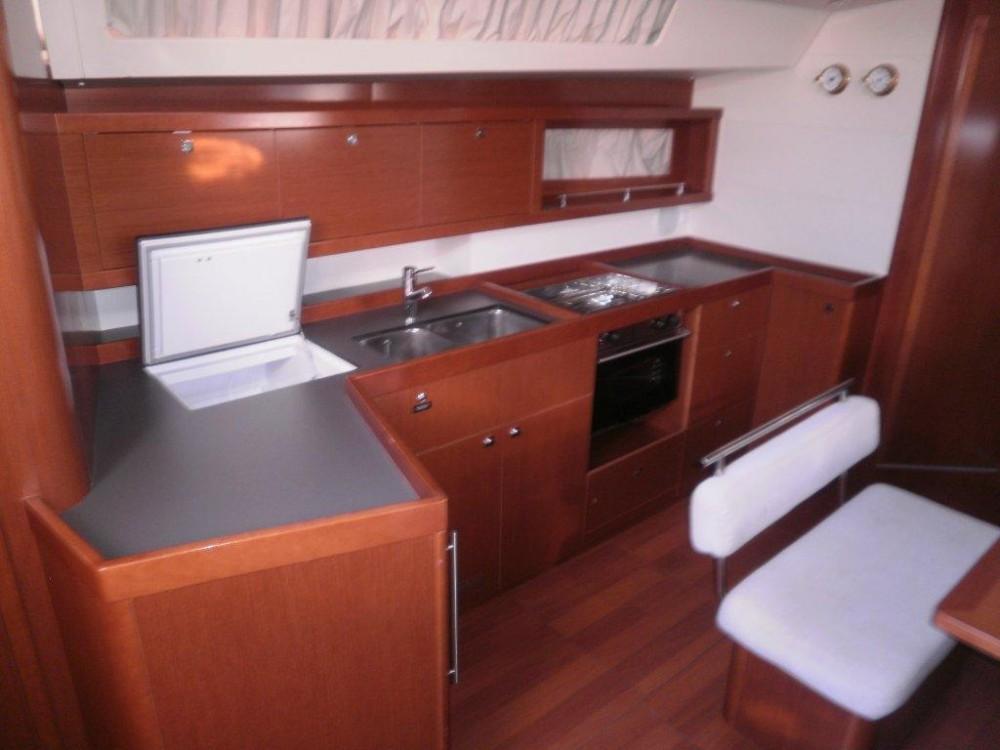 Rental Sailboat in Kaštel Gomilica - Bénéteau Oceanis 45