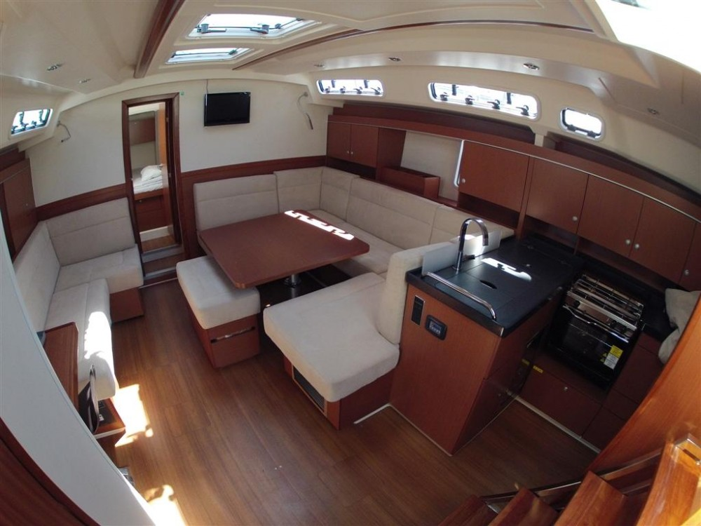 Rental Sailboat in Komolac - Hanse Hanse 445