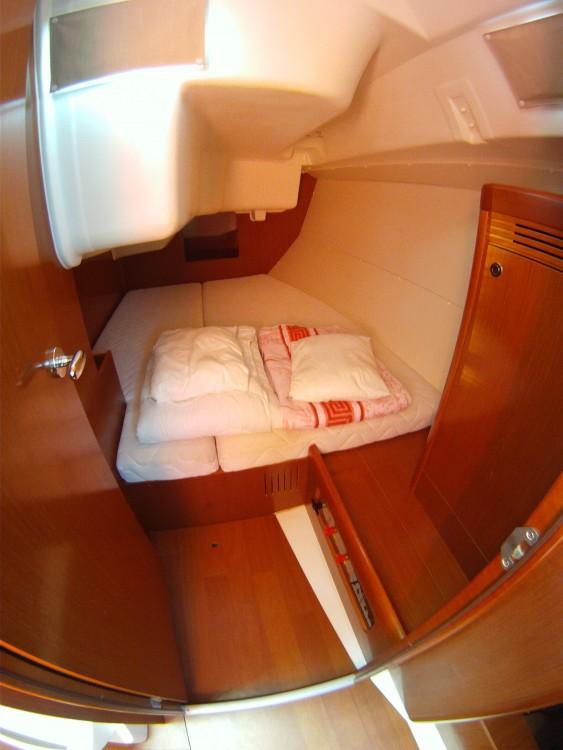 Rental yacht Medulin - Bénéteau Oceanis 37 on SamBoat