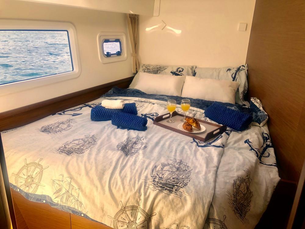 Rental Catamaran in Kaštel Gomilica - Lagoon Lagoon 42