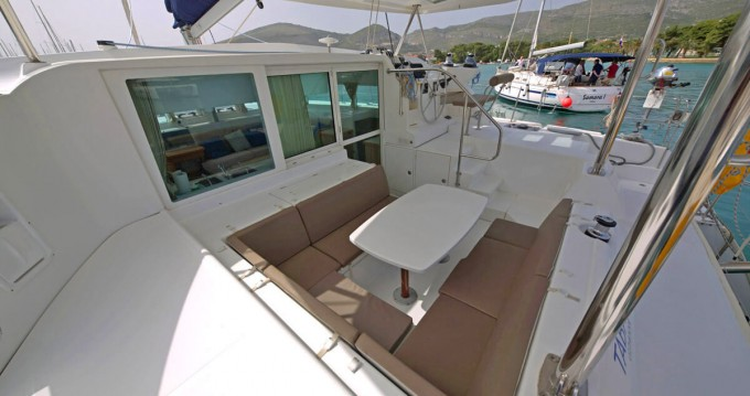 Boat rental  cheap Lagoon 420