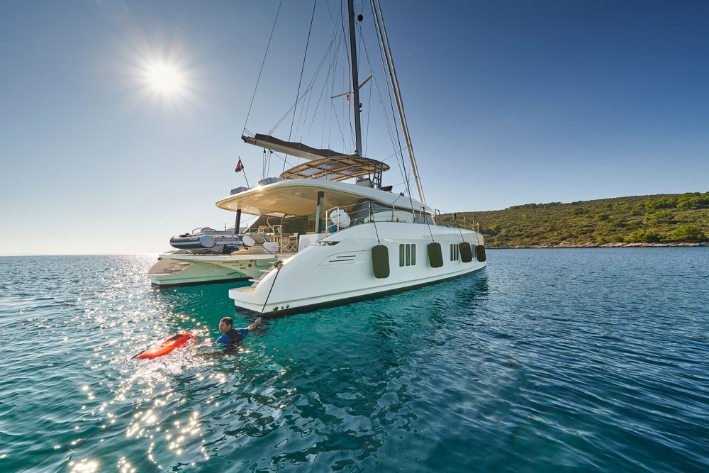 Rental Catamaran in Kaštel Gomilica - Sunreef Sunreef 60