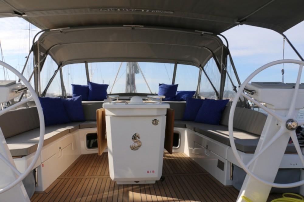 Rental Sailboat in Murter - Bénéteau Oceanis 51.1 First Line