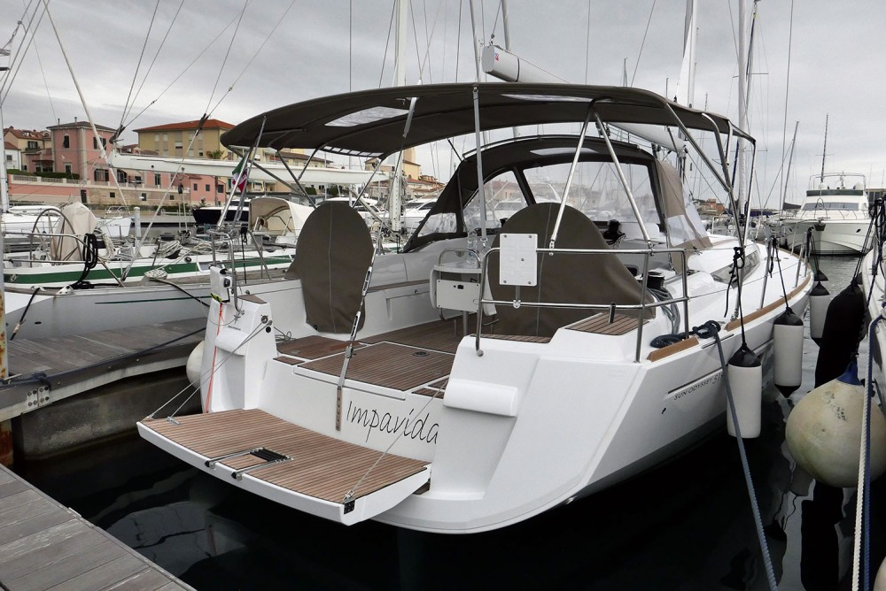 Boat rental San Vincenzo cheap Sun Odyssey 519