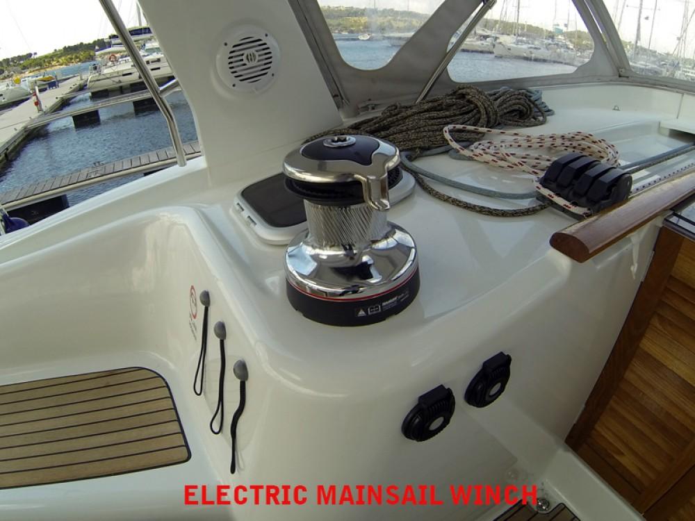 Rental yacht  - Bénéteau Oceanis 50 on SamBoat
