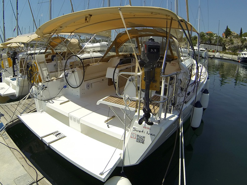 Boat rental Dufour Dufour 382 GL in  on Samboat