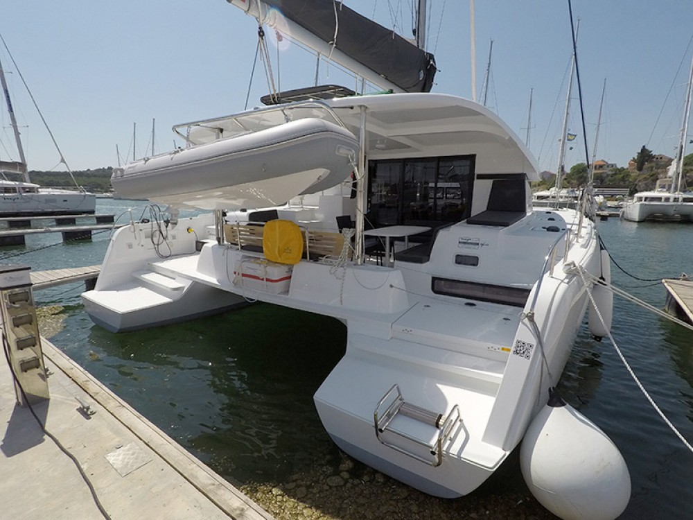Rental Catamaran in Sebenico - Lagoon Lagoon 42