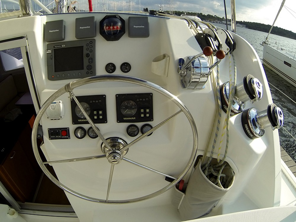 Boat rental Šibenik cheap Leopard 38