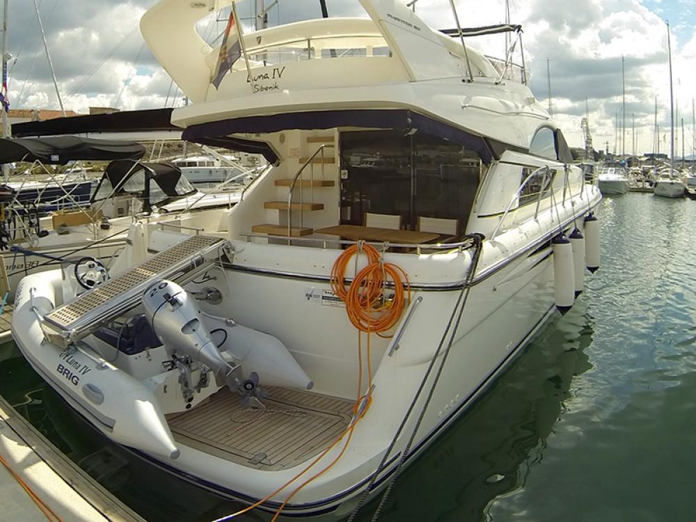 Rental Motorboat in  - Fairline Fairline Phantom 50