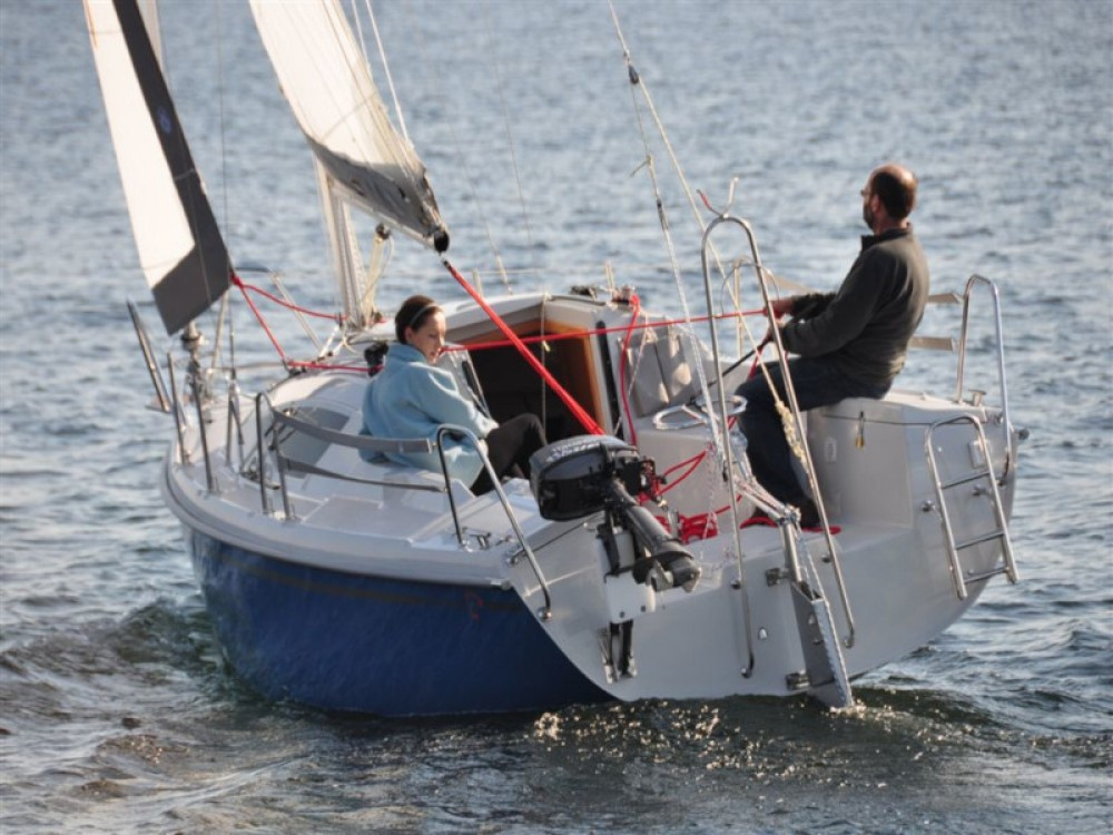 Sailboat for rent Wilkasy at the best price