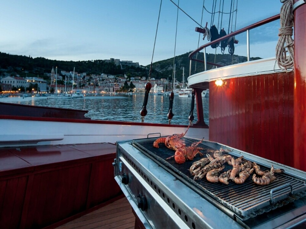 Rental Sailboat in Stobreč -  Gulet 18-9