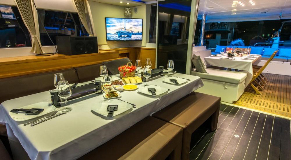 Rental Catamaran in El Nido - Lagoon Lagoon 620 - 5 cab
