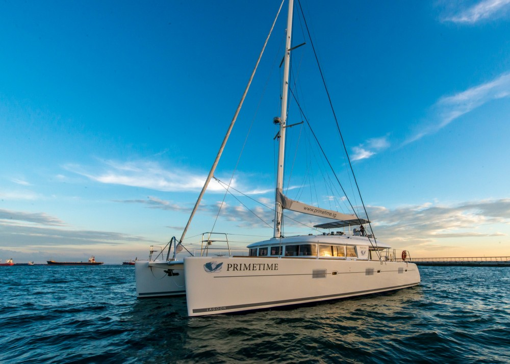 Hire Catamaran with or without skipper Lagoon El Nido