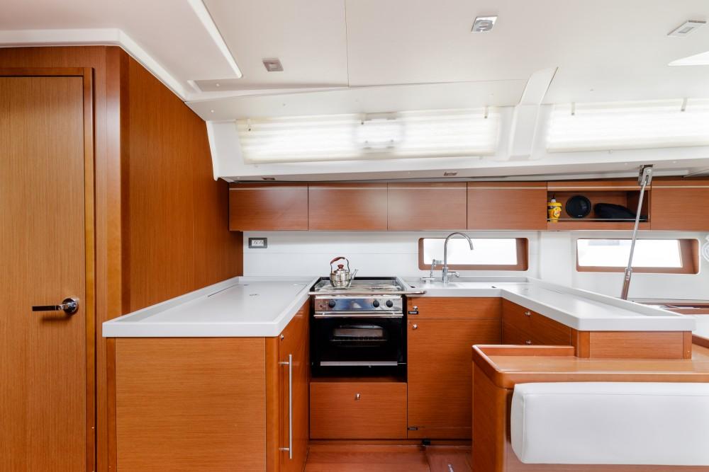 Boat rental Álimos cheap Oceanis 51.1