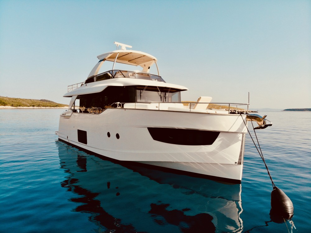 Rental Motorboat in Rogoznica - Absolute Navetta 58
