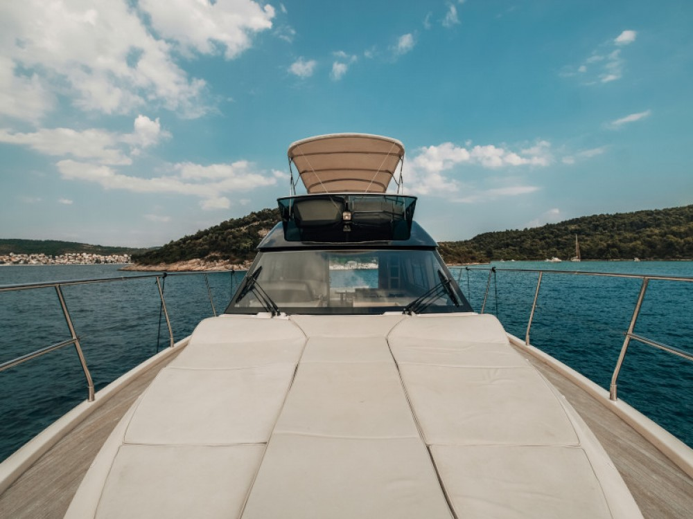 Rental Motor boat in Seget Donji - Bénéteau Monte Carlo 5