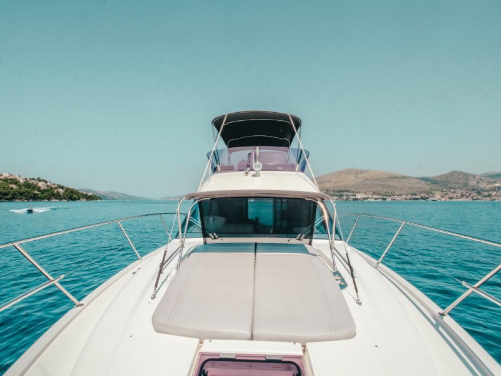 Boat rental Bavaria Bavaria R40 FLY in Seget Donji on Samboat