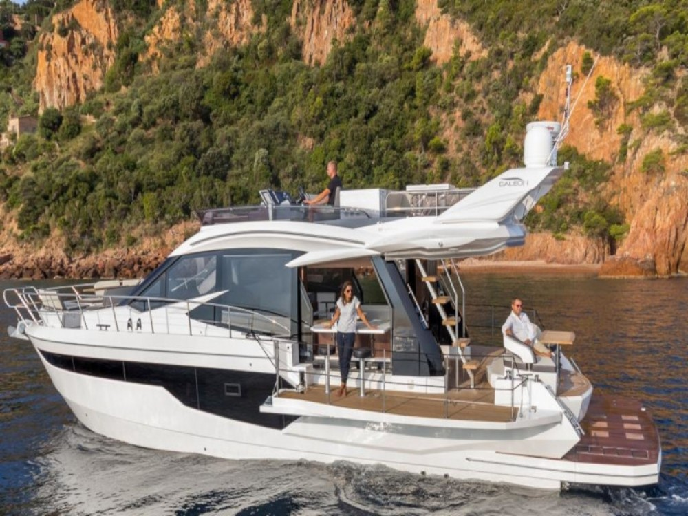 Rent a Galeon Galeon 500 Fly