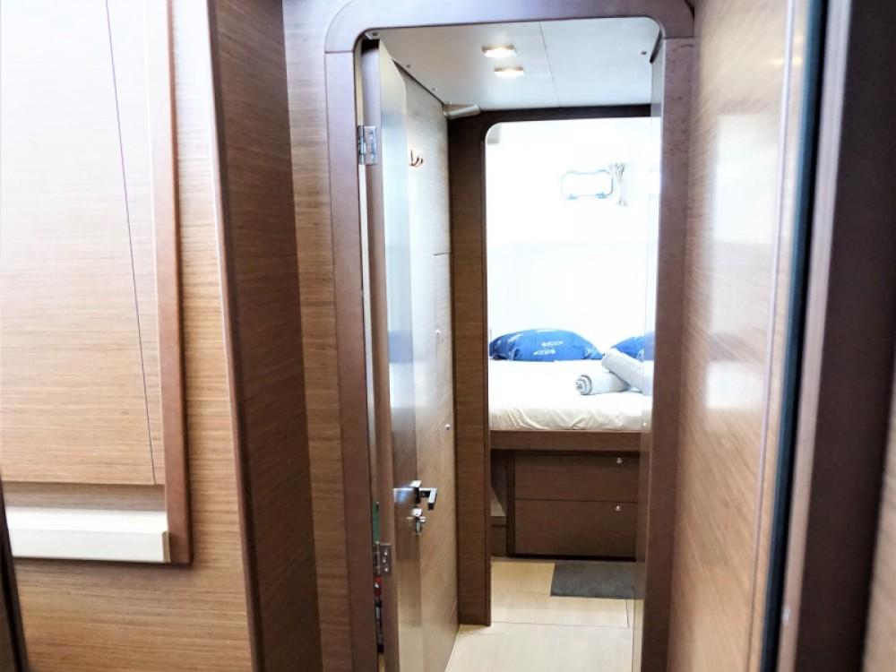 Boat rental Kontokali cheap Lagoon 450 Sport