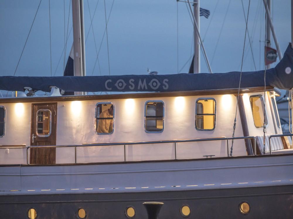 Rent a  Gulet Alimos Marina