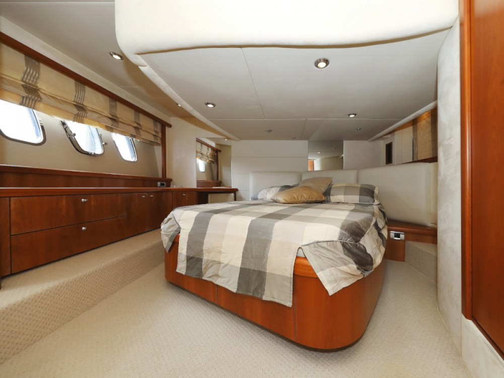 Hire Motor boat with or without skipper Sunseeker Sukošan