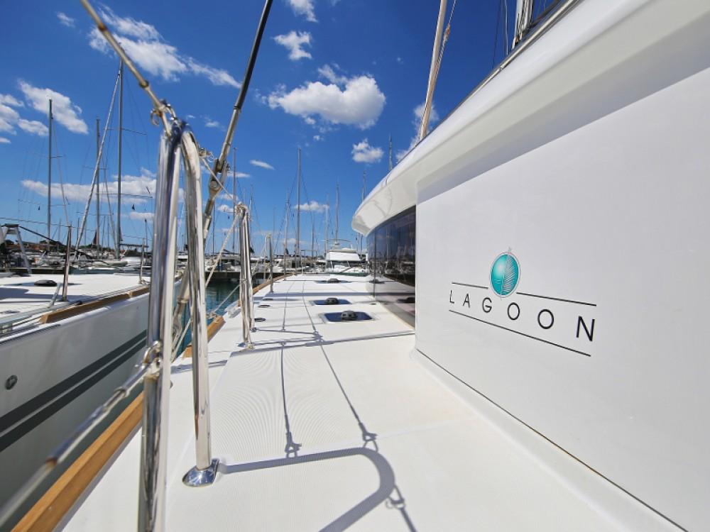 Lagoon Lagoon 450 F between personal and professional