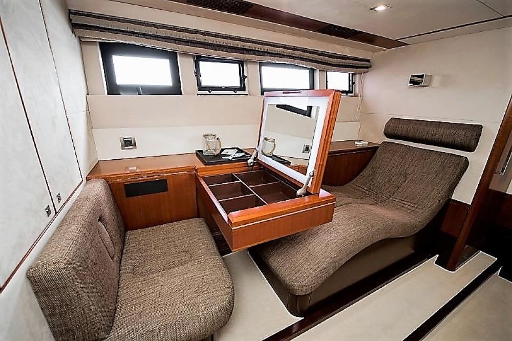 Rental yacht Sibenik - Galeon Galeon 640 Fly on SamBoat