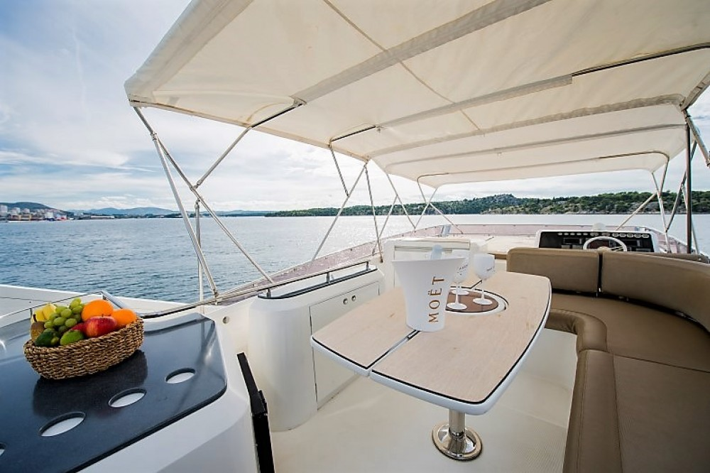 Hire Yacht with or without skipper Galeon Sibenik
