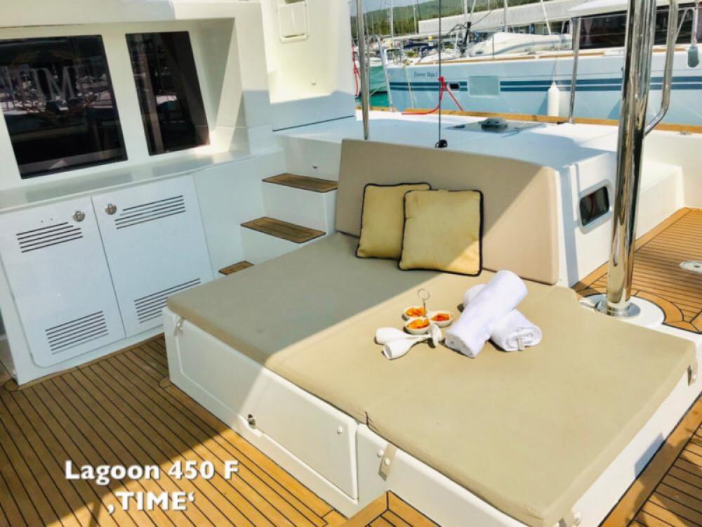 Boat rental Lagoon Lagoon 450 F in Sukošan on Samboat