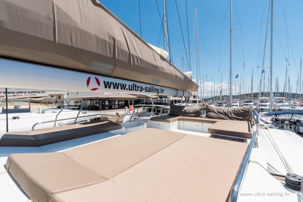 Boat rental Donji Seget cheap Saona 47 quintet