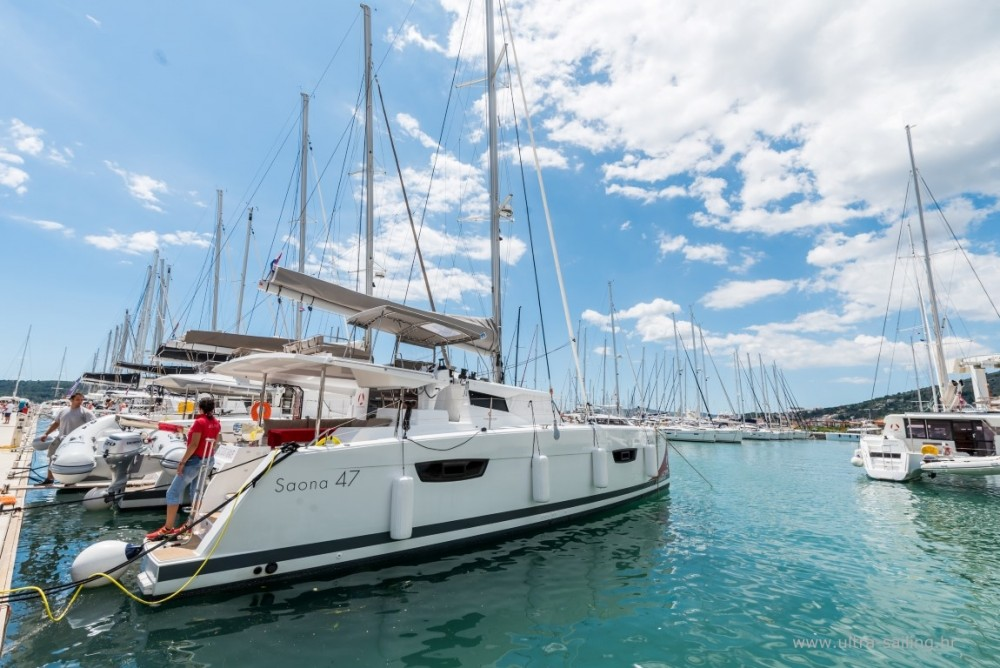 Rental Catamaran in Seget Donji - Fountaine Pajot Saona 47 quintet