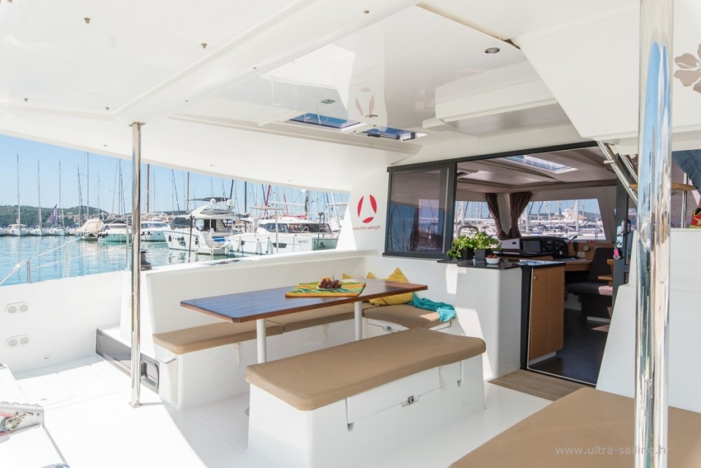 Boat rental Fountaine Pajot Helia 44 in Donji Seget on Samboat