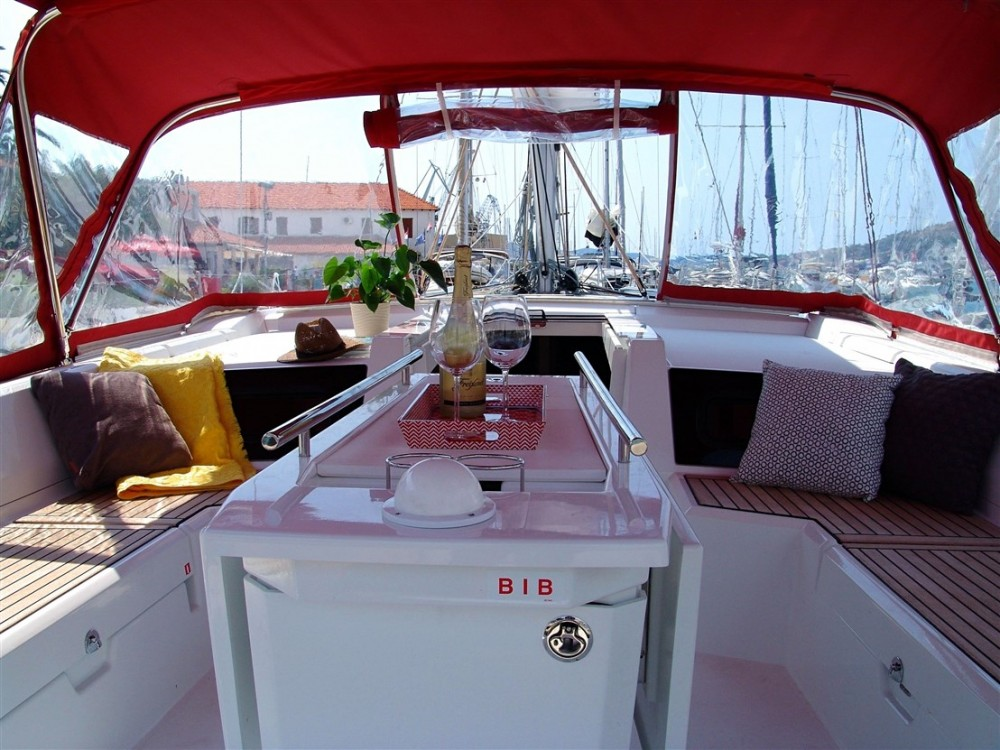 Hire Sailboat with or without skipper Bénéteau ACI Marina Split