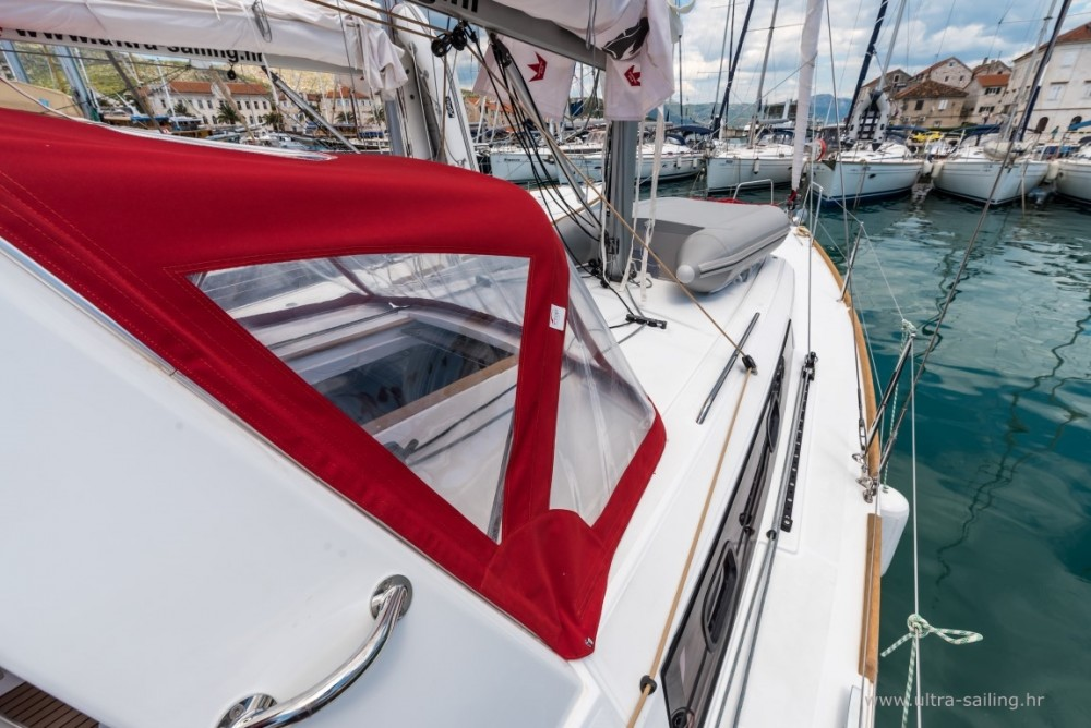 Rental Sailboat in ACI Marina Split - Bénéteau Oceanis 35.1