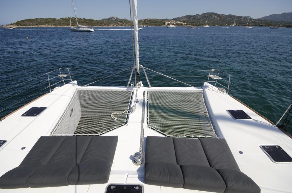 Rental Catamaran in Cala dei Sardi - Lagoon Lagoon 620