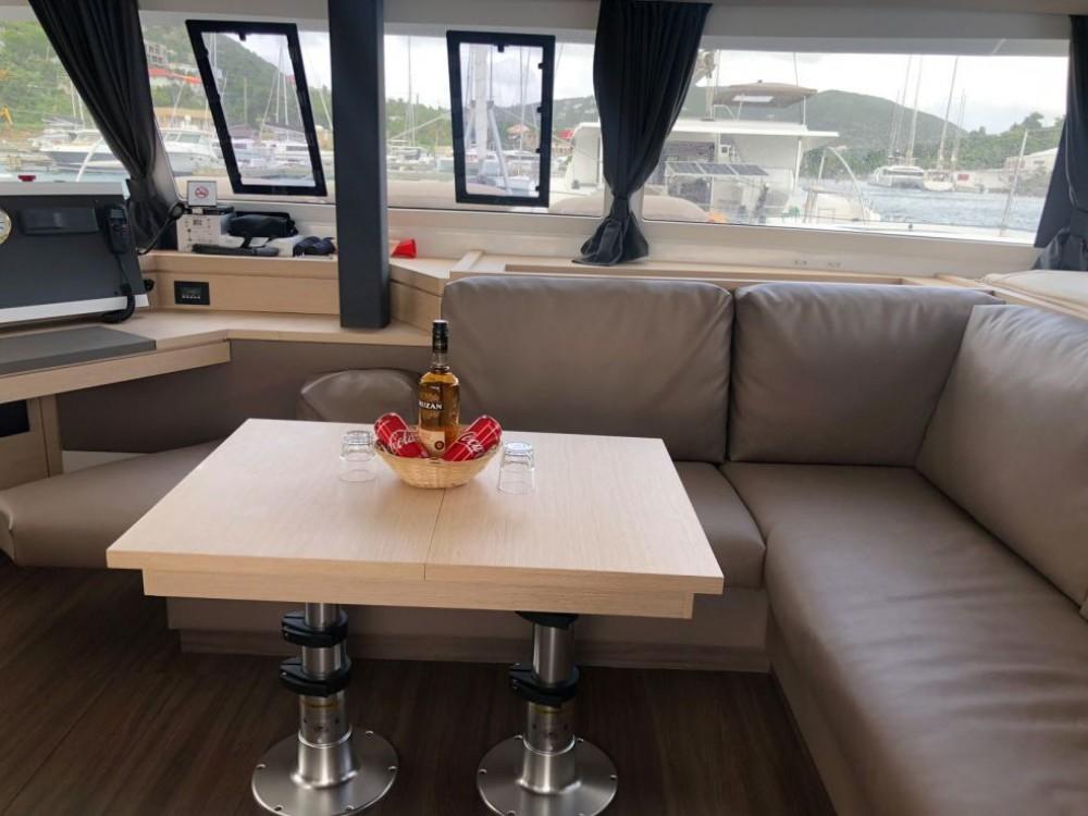 Boat rental Fountaine Pajot Saona 47 Owner Version in Road Town on Samboat