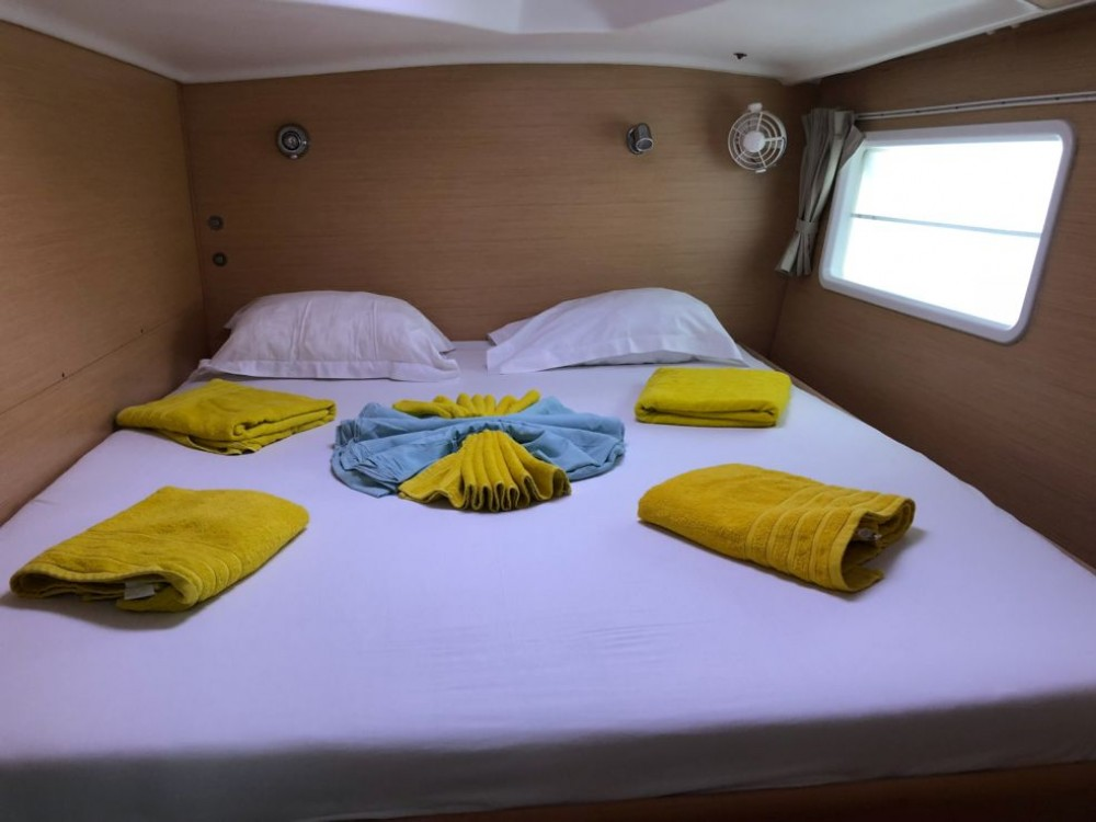 Boat rental Martinique cheap Lagoon 380