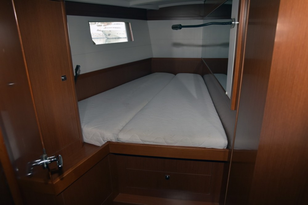 Rental yacht Saint-Mandrier-sur-Mer - Bénéteau Oceanis 48 on SamBoat